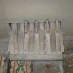 Pedaliera prima del restauro
