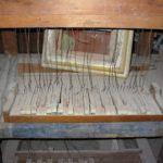 La tastiera rinvenuta allo smontaggio, dalle misure pianistiche, attribuibile all'intervento ottocentesco di Camillo Liguori.