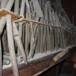 Grave stato di deformazione delle canne interne, prima del restauro, con rottura del crivello.