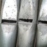 Stato di corrosione delle canne di facciata prima del restauro.