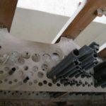 Crivello e canne metalliche prima del restauro