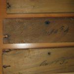 Iscrizioni sui labbri inferiori delle canne lignee