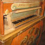 Tastiera restaurata e ricollocata